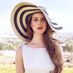 Перевод текста песни Cola исполнителя (группы) Lana Del Rey (Лана...